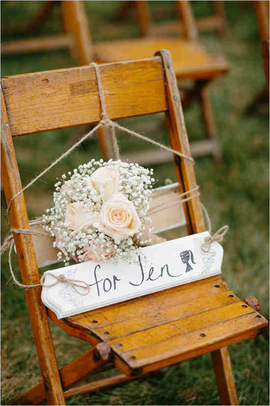 remberance_chair_at_wedding